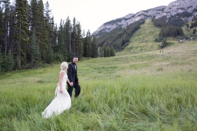 Plum & Nude Rustic Mountain Wedding - Melanie Bennett Photography 19