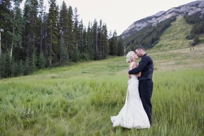 Plum & Nude Rustic Mountain Wedding – Melanie Bennett Photography 25