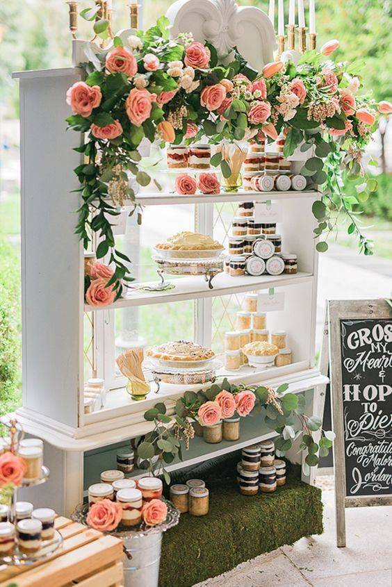 Wedding dessert table outdoor images for Outdoor wedding table decorations