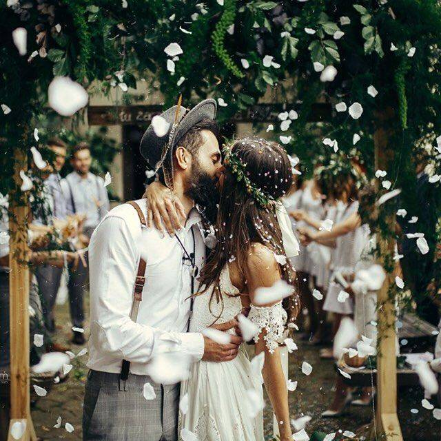 10 Stylish Boho Send-Offs for the Newlyweds