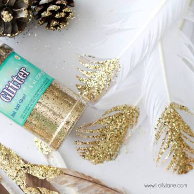How to Make DIY Glitter-Dipped Feathers