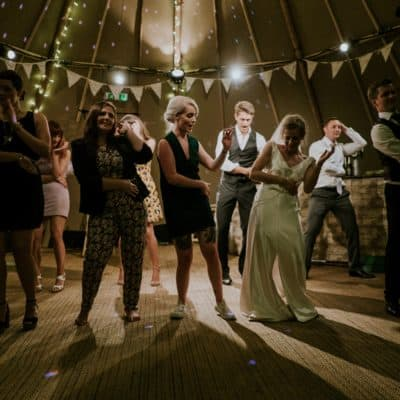 How To Make Your Wedding Ridiculously Fun for Guests: 3 Quick Tips