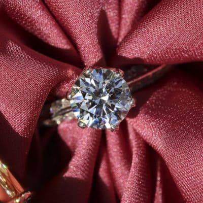 Wedding Ring Shopping Guide: Natural Vs. Lab Diamonds